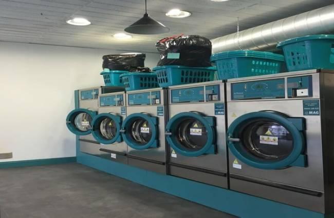 Nhận giặt đồ hàng thùng, quần áo hàng thùng uy tín giá rẻ