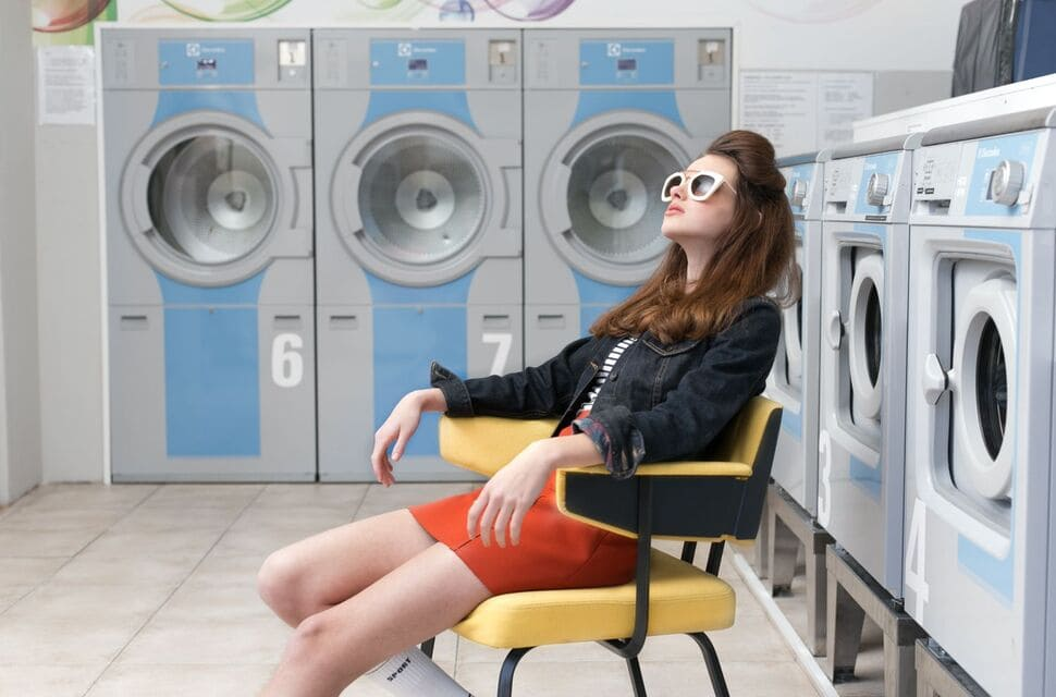 Chuyên giặt sấy giặt ủi áo dài quận tân bình
