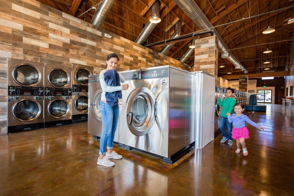 Chuyên nhận giặt ủi/giặt hấp đồ giá rẻ Thanh Trì