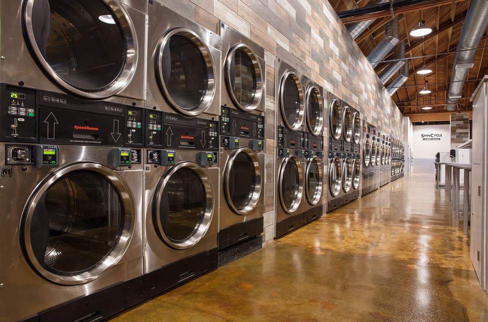 Cửa hàng giặt đồ giá rẻ ứng hòa