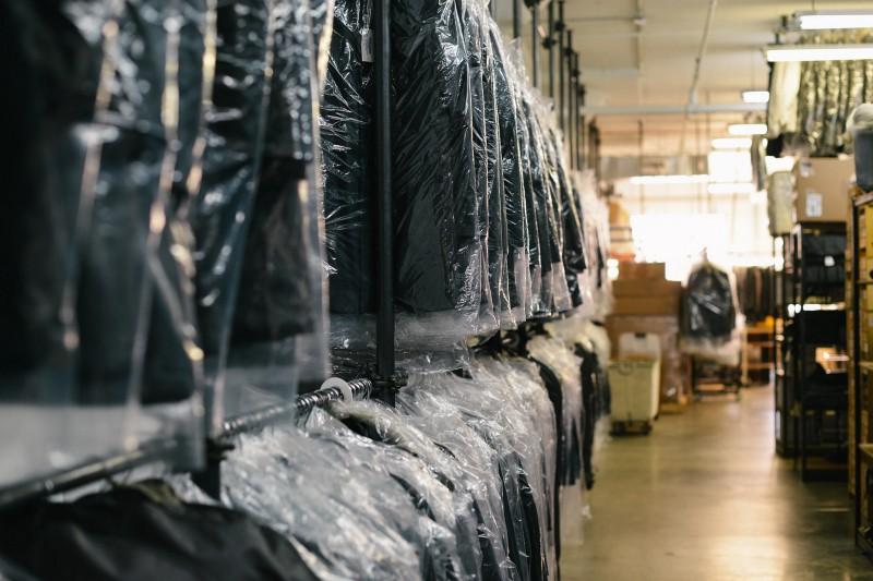 Giặt hấp áo cưới veston giao nhận miễn phí tại tphcm