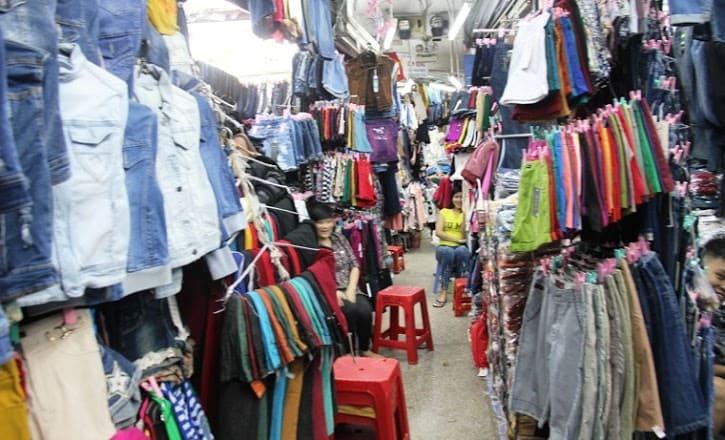 Quần áo giá sỉ tại các chợ đầu mối
