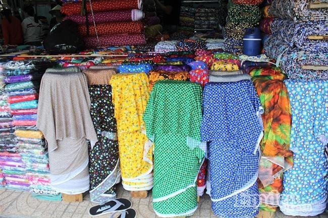 Chợ vải Ninh Hiệp